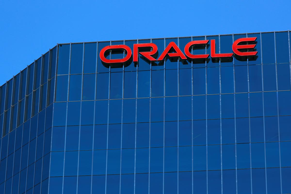 How to Call Oracle Customer Support