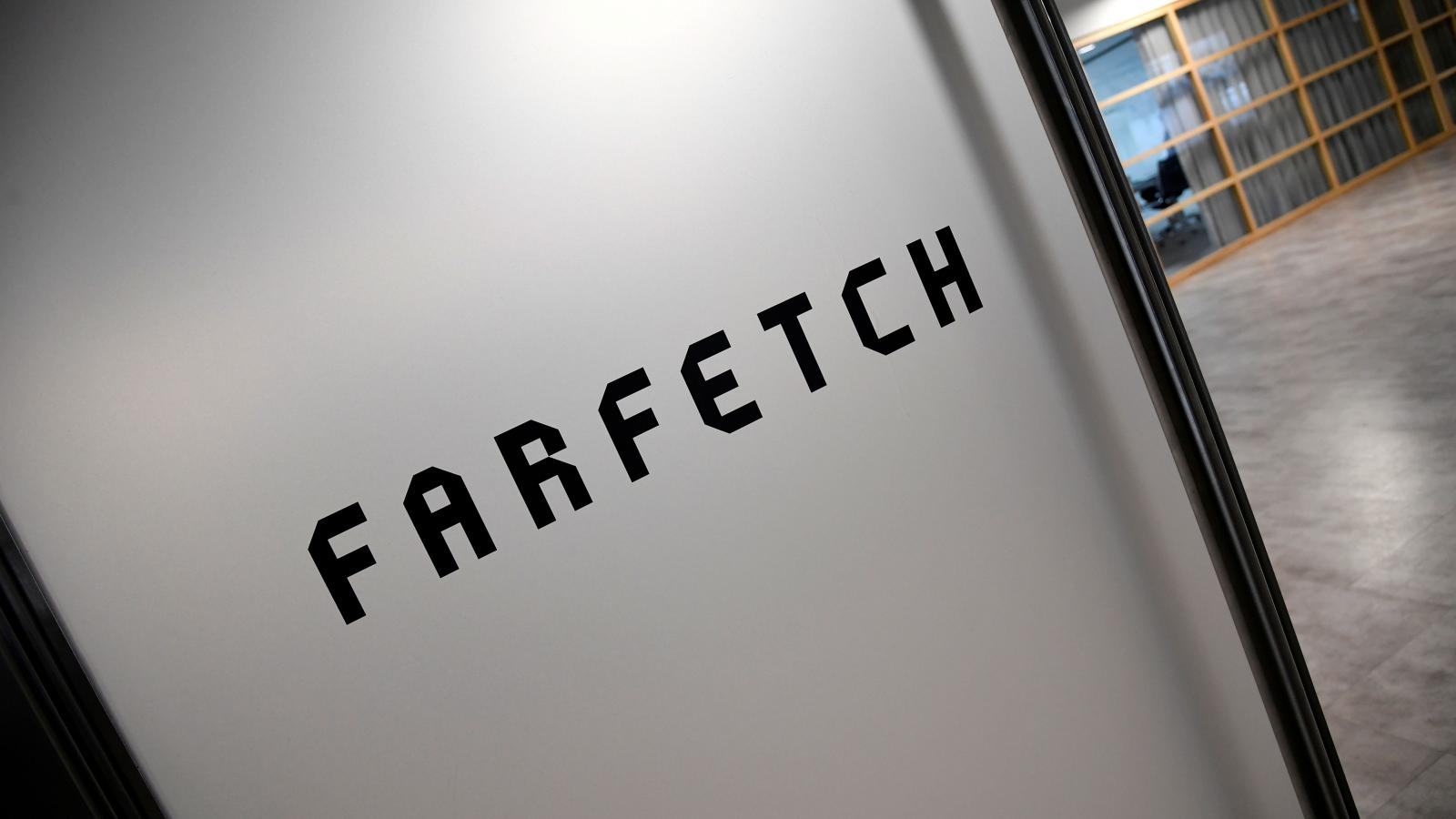 How to Contact Farfetch Customer Service